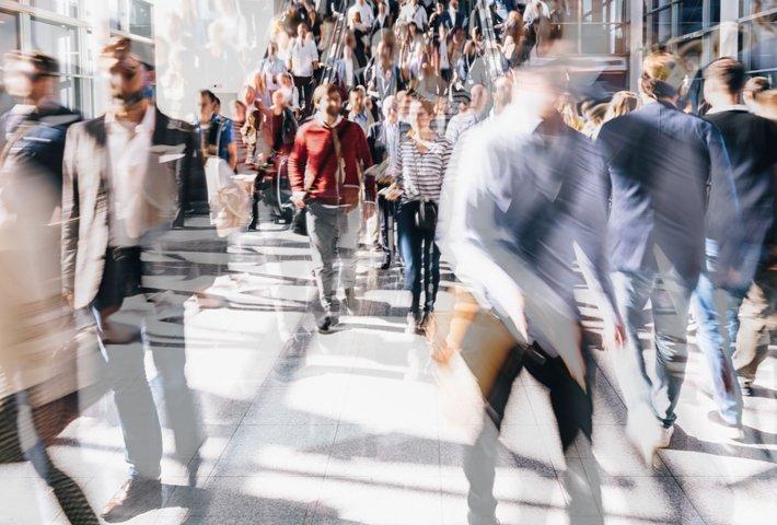 Löydätkö uusia B2B-asiakkaita nopeasti? Näin data tuo tehoa myyntiin ja markkinointiin